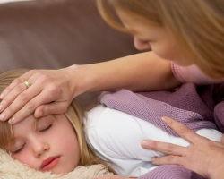 Промывание желудка ребенку в домашних условиях: способы и нюансы процедуры