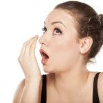 Отрыжка с неприятным запахом - симптом гастрита